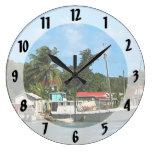 Barcos atracados Antigua Reloj