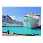 Barcos de cruceros en el puerto postales