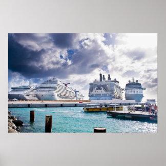 Barcos de cruceros posters