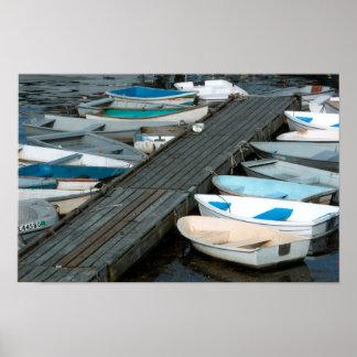 Barcos de fila en la impresión del poster del muel