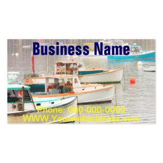 Barcos de la langosta en el puerto bajo, isla tarjeta de visita