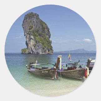 barcos de la paz de la largo-cola de Tailandia de Pegatina Redonda