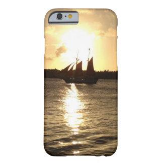 Barcos de la puesta del sol de Key West Funda Barely There iPhone 6