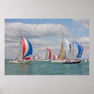 Barcos de navegación durante la semana de Cowes en Impresiones