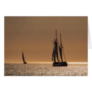 Barcos de navegación en la orilla del mar Báltico Tarjeta De Felicitación