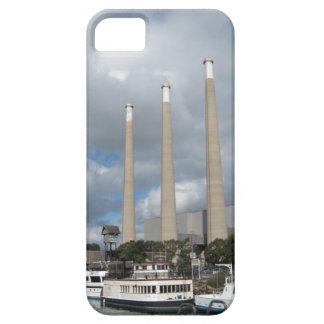 Barcos de pesca de la bahía de Morro y chimeneas iPhone 5 Fundas