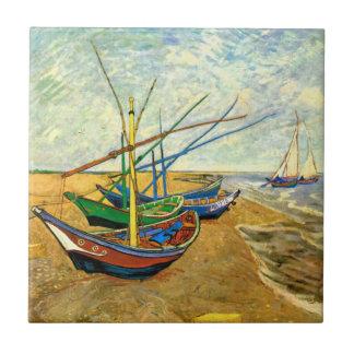 Barcos de pesca de Van Gogh en la playa en Saintes Azulejo Cuadrado Pequeño