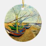 Barcos de pesca de Van Gogh en la playa en Saintes Ornamentos Para Reyes Magos