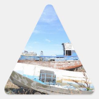 Barcos de pesca en Hastings Pegatina Triangular
