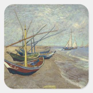 Barcos de pesca en la playa pegatina cuadrada