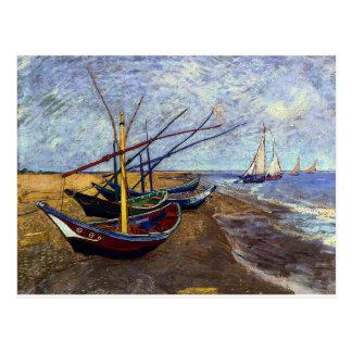 Barcos de pesca en la playa postales