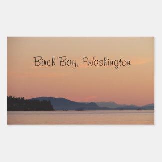 Barcos de pesca en la puesta del sol rectangular pegatina