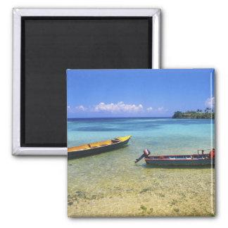 Barcos de pesca, playa de Boston, puerto Antonio, Imanes
