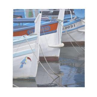 Barcos de pesca típicos de Provencal pintados en 2 Bloc