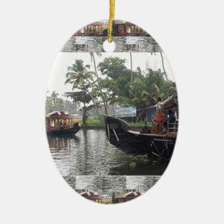 Barcos de RÍO de KERALA la India