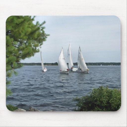 Barcos de vela en el St Lawrence Alfombrillas De Raton
