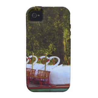 Barcos del cisne de Boston Case-Mate iPhone 4 Fundas