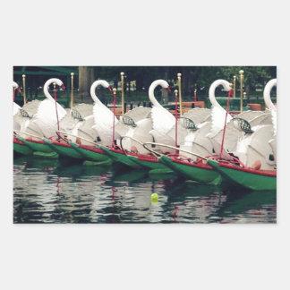 Barcos del cisne de los jardines públicos de pegatina rectangular