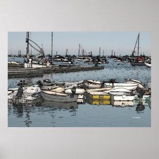 Barcos del muelle en el amanecer, representación a póster