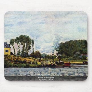 Barcos en Bougival por Sisley Alfred Tapete De Ratones