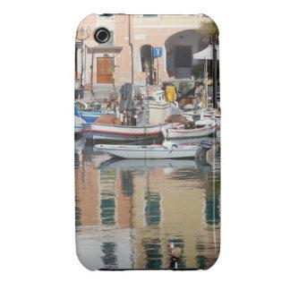 barcos en Camogli, Italia iPhone 3 Case-Mate Carcasas