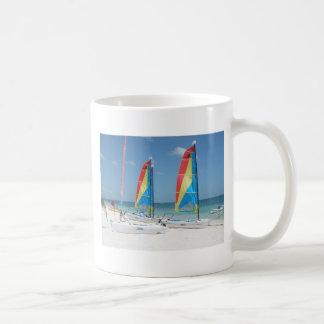 Barcos en Cancun Taza