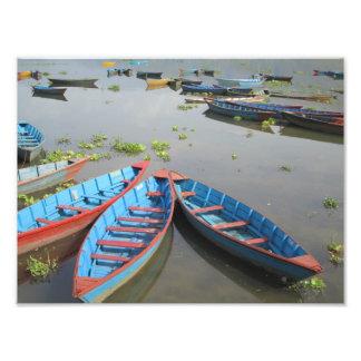 Barcos en el lago Phewa -- Pokhara, Nepal Fotografías
