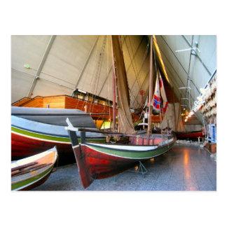 """Barcos en el """"museo"""" Oslo de Fram Postal"""