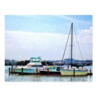 Barcos en el Potomac cerca del parque de los Tarjeta Postal