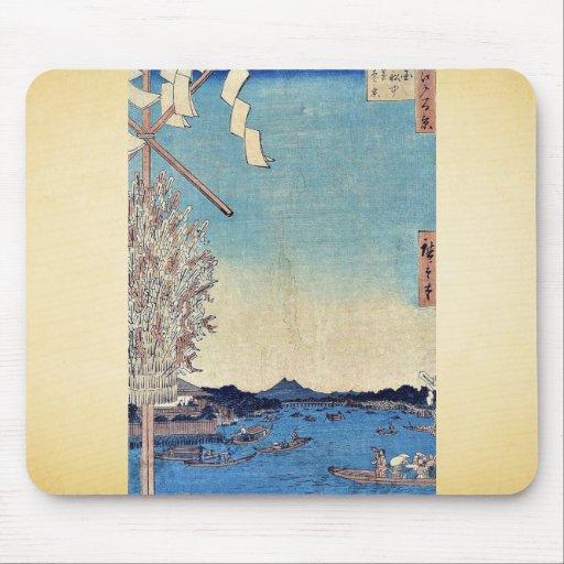 Barcos en el puente de Ryogoku por Ando, Hiroshige Alfombrillas De Raton