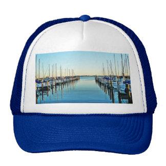 Barcos en el puerto deportivo de Shirley Taylor Gorros