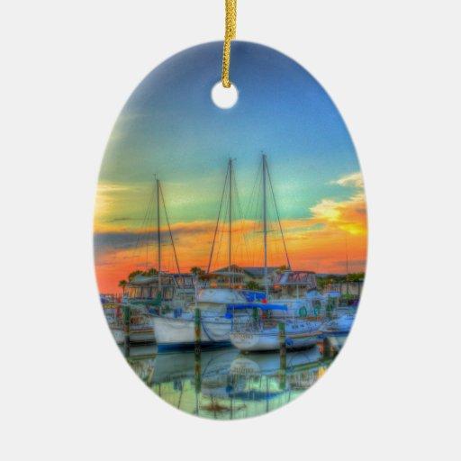 Barcos en el puerto deportivo Strong.jpg Adorno Navideño Ovalado De Cerámica