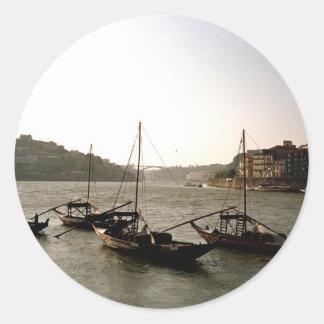 Barcos en el río el Duero Pegatina Redonda