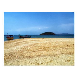 Barcos en la playa tropical de la isla, Camboya Postales
