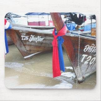 Barcos en las islas de la phi de la phi de la alfombrilla de raton