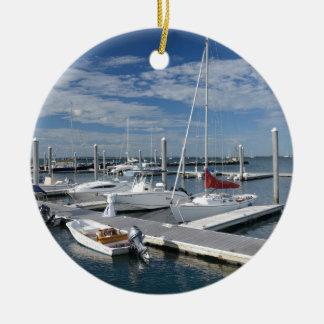barcos en un puerto deportivo en Stonington, Conne Ornamentos De Reyes Magos