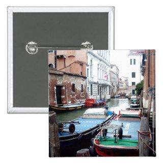 Barcos en Venecia Pin Cuadrada 5 Cm