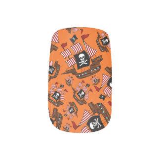 Barcos piratas anaranjados
