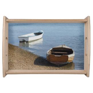 Barcos que sirven la bandeja