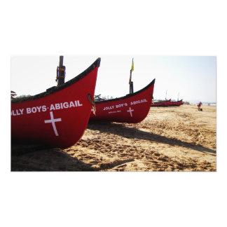 Barcos rojos en la playa Goa la India de Candolim Arte Fotografico