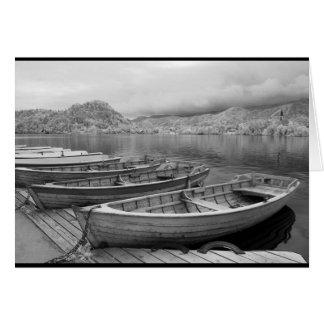 Barcos tradicionales en el lago sangrado, tarjeta de felicitación