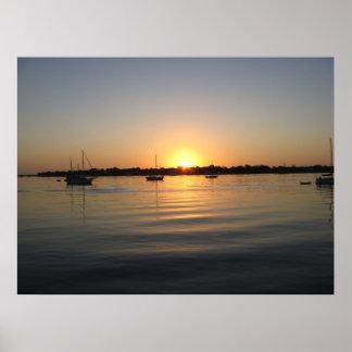 Barcos y salida del sol póster