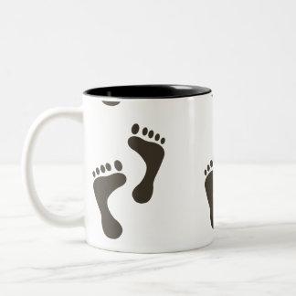 Bare feet Two-Tone coffee mug