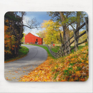 Barn in Fall Mouse Pad
