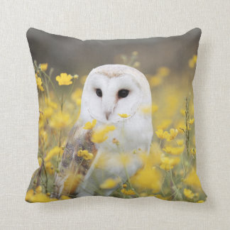 Barn Owl In Meadow Throw Pillow