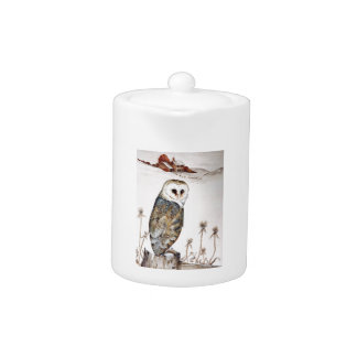Barn Owl on the hunt Teapot