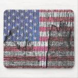 Barn Peeling Painted Patriotic American Flag Mouse Pad