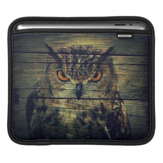 Barn Wood Gothic wild bird Spooky hoot owl Sleeve For iPads
