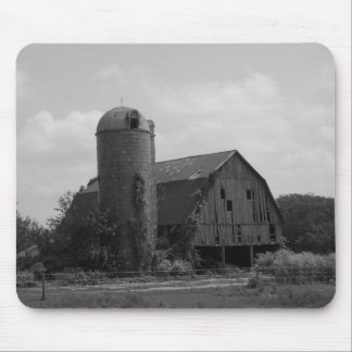 Barns of Old Mouse Pad