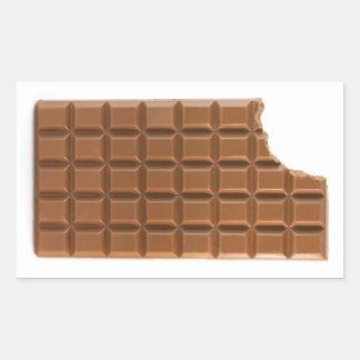 Barra de chocolate con un pegatina que falta de la
